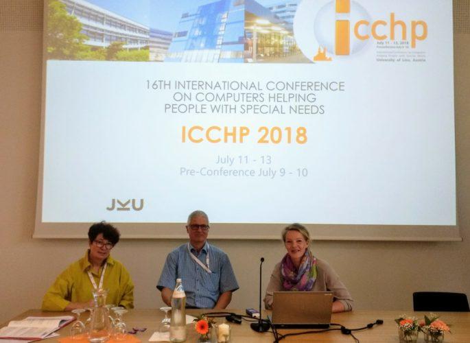 Cordula Edler, Christian Bühler und Susanne Dirks auf der ICCHP Konferenz