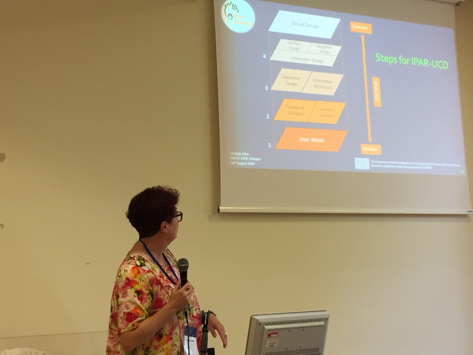 Cordula Edler presenting